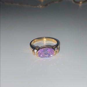 Jewelry - 4K gold ring with diamond and purple jewel